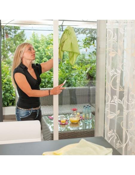 Panno vetri e specchi pulisce solo con acqua